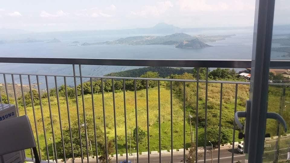 Staycation Tagaytay Balcony